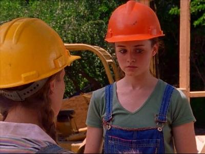 (Gilmore Girls Wikia, 2001) http://img2.wikia.nocookie.net/__cb20131228105357/gilmoregirls/images/a/af/594-2-2.jpg